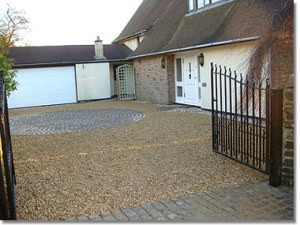 Leeds-driveway-transformed-with-gravel-300x225